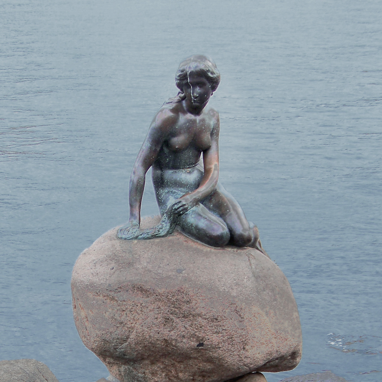 2000Headquarters are established in Norrköping, Sweden and in São Marcos, Brazil.